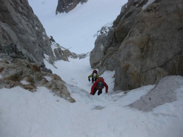 Tatu Autio and Kasper Berkowicz simulsoloing on the North face of Col du Plan, Chamonix, France